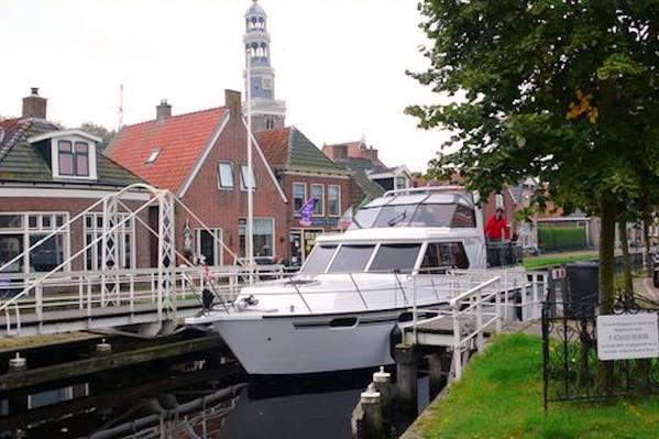 hausbooturlaub jetzt hausboot mieten mit yachts4u in. Black Bedroom Furniture Sets. Home Design Ideas