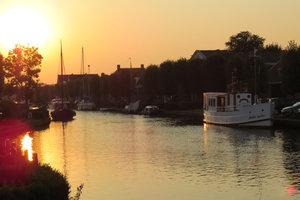 hausboot mieten in holland bei yachtcharter yachts4u friesland. Black Bedroom Furniture Sets. Home Design Ideas